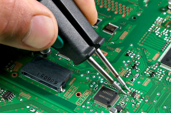 Circuit Card Assembly : Cleanliness a dilemma in printed circuit board assembly